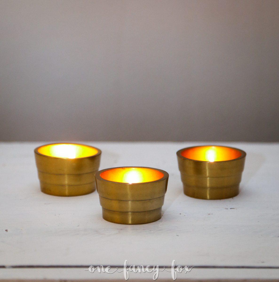 Leuchtende Teelichthalter gold in Dekoverleih  bei One Fancy Fox