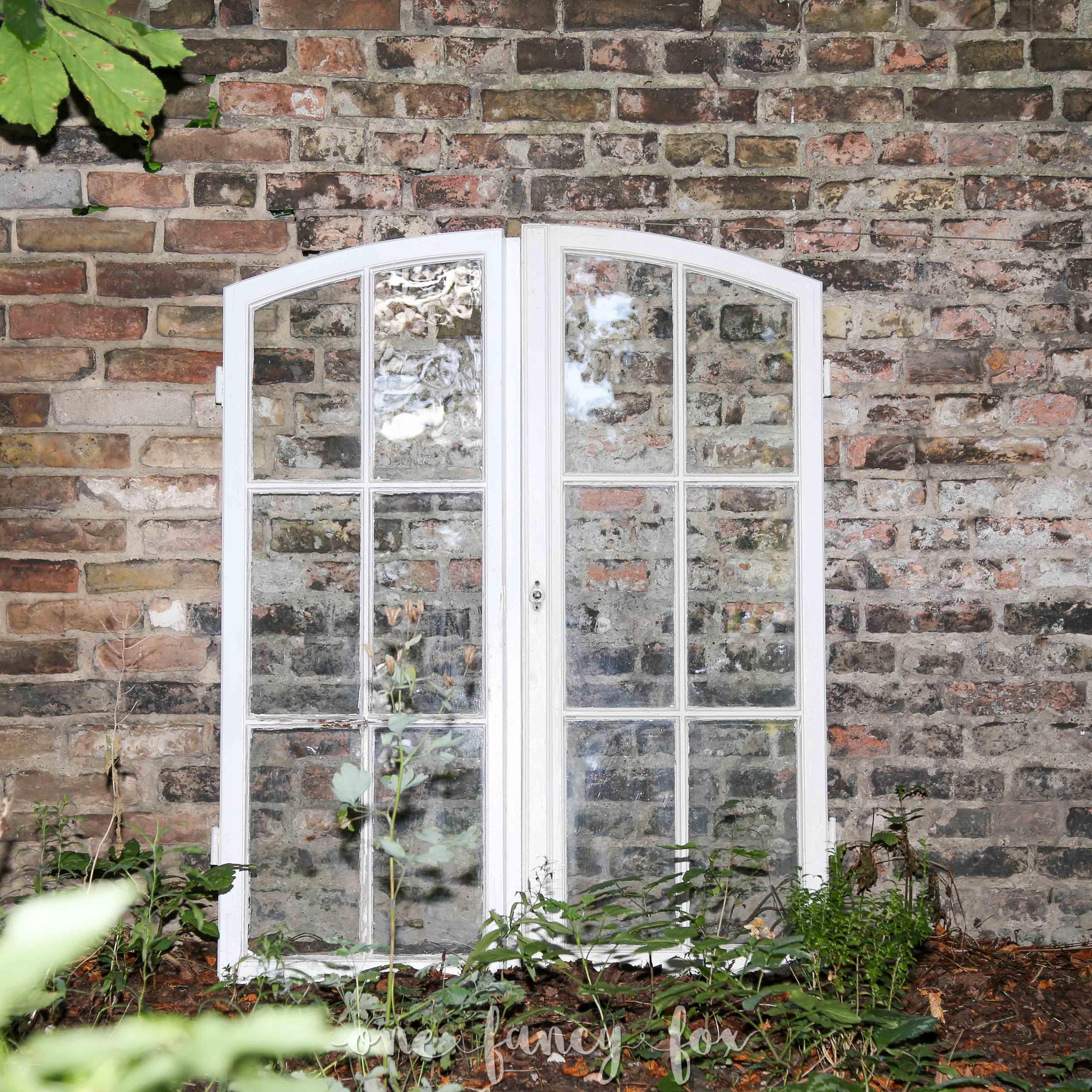 Antike Fenster leihen One Fancy Fox Hochzeitsverleih