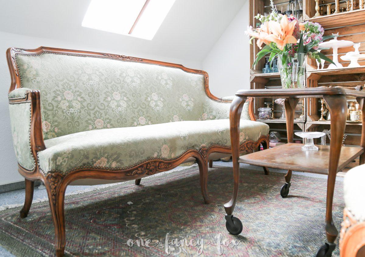 vintage sofa mieten i one fancy fox verleih eventdesign. Black Bedroom Furniture Sets. Home Design Ideas