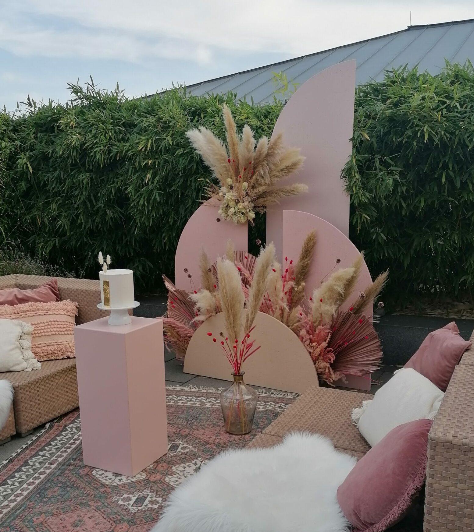 Modern Backdrop Blush & Nude